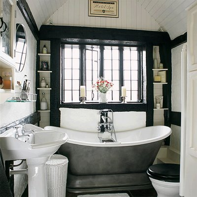 bathroom_25_Beautiful_Homes_April_06_housetohome_co_uk